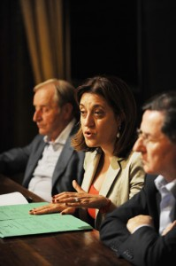 La Presidente della Regione dell'Umbria Catiuscia Marini in una conferenza stampa sulla sanità regionale, insieme all'assessore alla sanità (alla sua destra) Franco Tomassoni