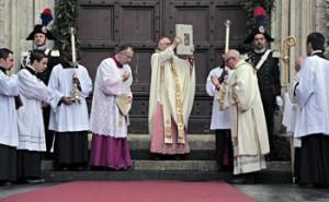 Il rito di apertura della Porta santa