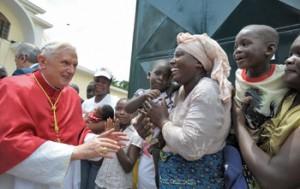 Benedetto XVI durante il viaggio apostolico in Camerun-Angola