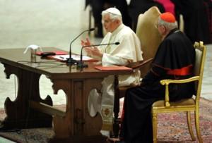 Benedetto XVI incontra, nell'Aula Paolo VI, il clero della diocesi di Roma