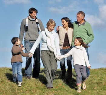 famiglia-genitore-nonni-figli