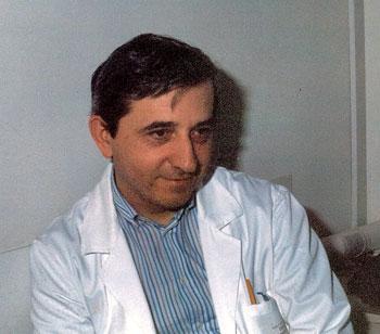 Vittorio Trancanelli in una pausa dal lavoro in ospedale