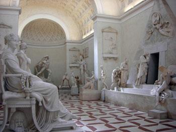 Alcune opere di Canova esposte nel museo gipsoteca di Possagno