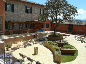 Il giardino sensoriale della residenza di Fontenuovo