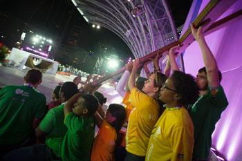 Sulla spiaggia di Copacabana si svolge la cerimonia di apertura della Giornata mondiale della Gioventù