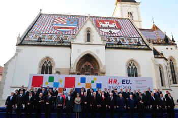 Capi di Stato e le autorità europee intervenuti alla cerimonia di ingresso della Croazia nell'Ue