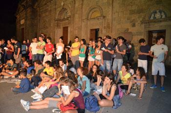 """I ragazzi che hanno partecipato alla veglia di preghiera """"A Bolsena con bRio"""""""