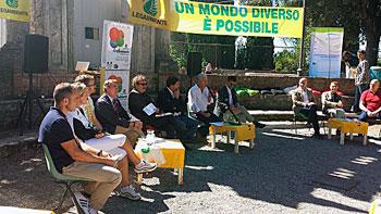 """Un momento della manifestazione ecologica """"FestAmbiente"""""""