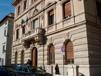 L'ex sede del soppresso tribunale di Foligno
