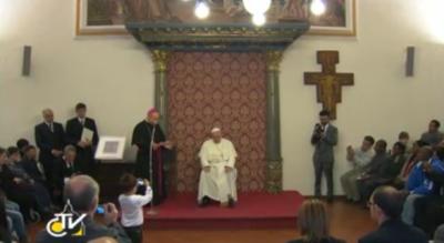 Papa Francesco ad Assisi - L'incontro con i poveri della Caritas