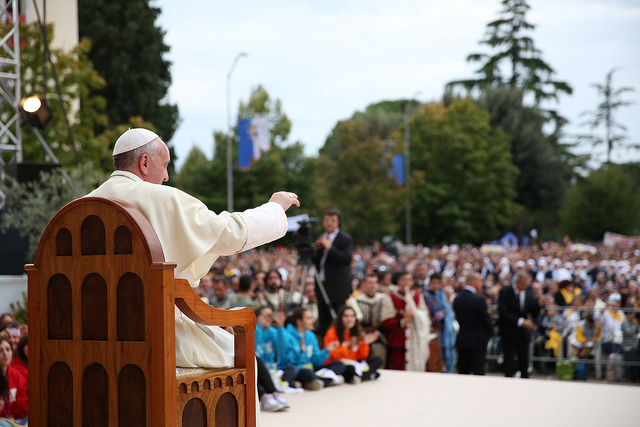 Papa Francesco giovani 4 ottobre Assisi