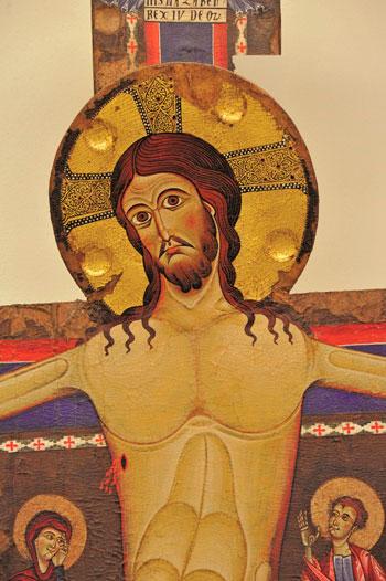 Crocifisso di Alberto Sotio. Una riproduzione viene donata a Papa Francesco