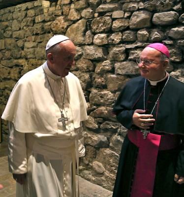 Papa Francesco e mons Domenico Sorrentino a Assisi il 4 ottobre 2013