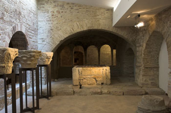 Una delle sale espositive del museo diocesano e cripta di San Rufino ad Assisi
