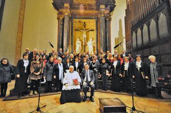 cori-in-Cattedrale-Perugia_novembre-inizio-visita-pastorale-Bassetti-