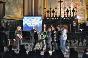 Un momento della veglia in cattedrale con i giovani, mons. Cancian e don Marconi