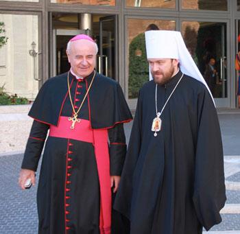 Mons. Vincenzo Paglia con il Metropolita di Volokolamsk Hilarion Alfeev