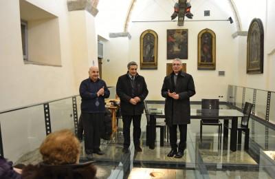 Da sinistra don Giancarlo Lepri, il presidente Franco Miano e mons. Cancian