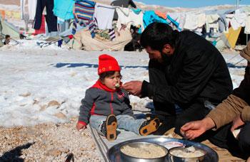 Neve e miseria nel campo di profughi siriani in Libano