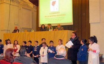 """Un momento della """"Giornata della Memoria"""" dei ragazzi delle scuole di Città di Castello"""