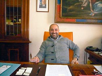 Una istantanea del Sindaco di Todi, Carlo Rossini, nel corso dell'intervista
