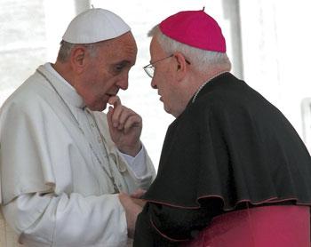 Papa-Francesco-e-mons.-Gualtiero-Bassetti