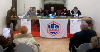 Il tavolo dei relatori intervenuti all'incontro e dibattito con l'on. Ernesto Preziosi