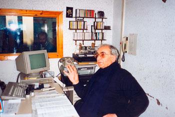 """Mons. Giulio Giommini nel suo ufficio nella sede di """"Radio Augusta Perusia"""""""