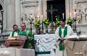 Un momento della Messa celebrata per il Csi dal vescovo di Loreto Giovanni Tonucci