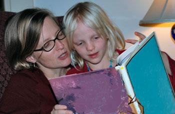 madre-figlia-lettura