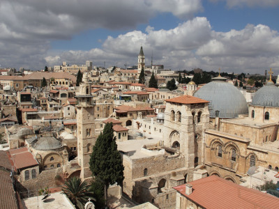 Gerusalemme, veduta del quartiere cristiano della città vecchia. In primo piano, a destra, le cupole della Basilica del Santo Sepolcro