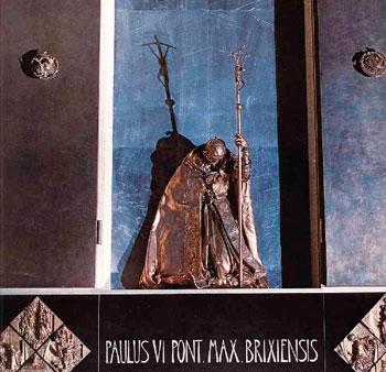 Il monumento a Paolo VI realizzato da Scorzelli a Brescia