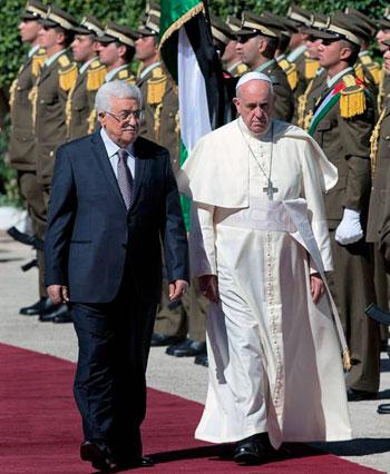 Papa Francesco con Abu Mazen