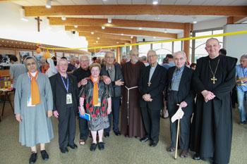Lourdes-CVS-2014-Sacerdoti alla festa degli anniversari con il cardinale Piovalelli
