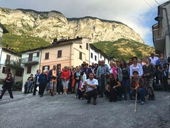 Isola-Fossara-(Scheggia)-Statua-Madonna-di-Lourdes