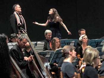 Il soprano Robin Johannsen (Konstanze) e l'attore Cornelius Obonya (Selim)