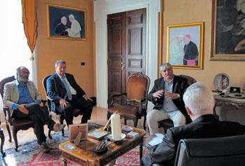 Bassetti con i segretari regionali Mario Bravi (Cgil), Ulderico Sbarra (Cisl) e Claudio Bendini (Uil)