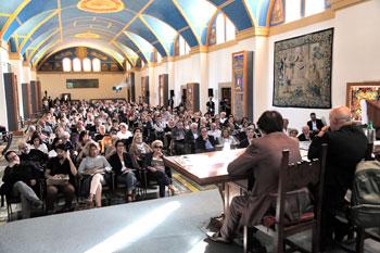 La platea degli intervenuti al salone papale del Sacro Convento