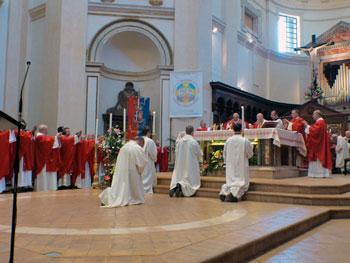Un momento della celebrazione durante la festa del patrono san Rufino