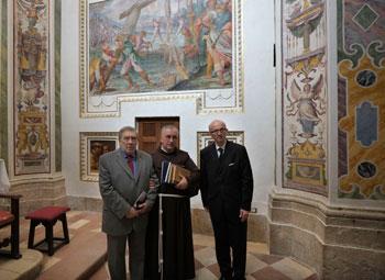 Da sinistra il console Armando Ginesi, padre Francesco De Lazzari, il sindaco Claudio Ricci