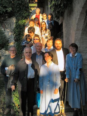 Foto di gruppo con Don Sergio Andreoli