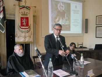 Padre Cassian Folsom e il sindaco Nicola Alemanno