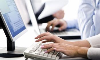 computer-ricerca-internet-mani