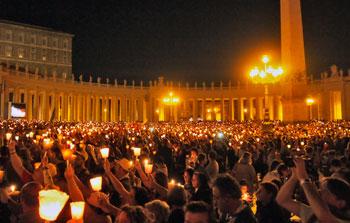 Grande partecipazione alla veglia di preghiera con il Papa in piazza San Pietro, presenti anche alcune famiglie provenienti dalla diocesi di Orvieto-Todi