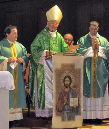 Da sinistra: don Andrea Rossi, mons. Benedetto Tuzia e don Lorenzo Romagna