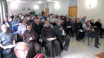 I partecipanti all'incontro con il vescovo