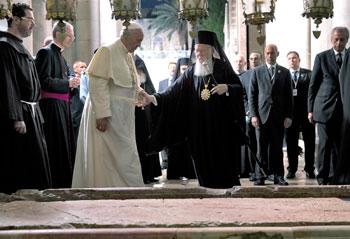 L'incontro tra Papa Francesco e il patriarca Bartolomeo a Gerusalemme il 25 maggio 2014