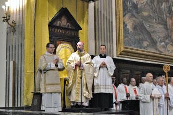 Mons. Nazzareno Marconi durante il pontificale
