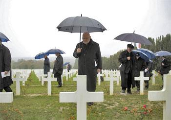 Pellegrinaggio dei vescovi europei a Verdun, visita all'ossario di Douaumont