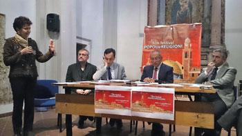 """Un momento della conferenza ,della 10a edizione del Film festival """"Popoli e religioni""""."""